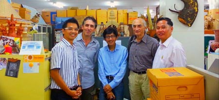 From left to right: Vasu Poshyanandana, Christophe Pottier, Phurnthum Thumwimol, Pierre Pichard et Kitcha Yupho during a meeting at the FAD 11/09/2013.