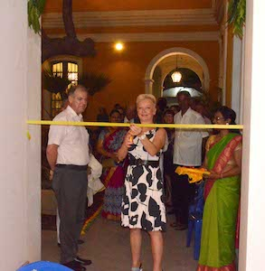 Mme. Suard, who took up her post of Consul that very day, cuts the ribbon, observed by Mme Prerana Patel and Mr. Bertrand de Hartingh