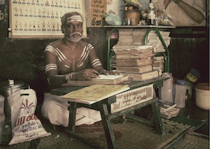 Valluvar astrologer casting an horoscope
