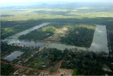 Article ''Archéologie: les nombreuses vies d'Angkor''