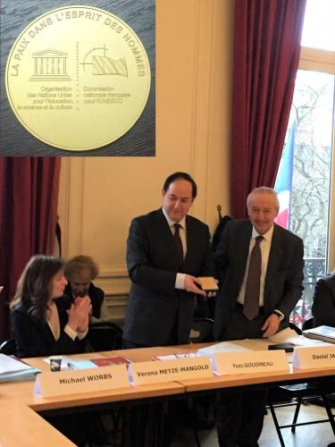 L'EFEO reçoit la médaille de la Commission nationale française pour l'UNESCO